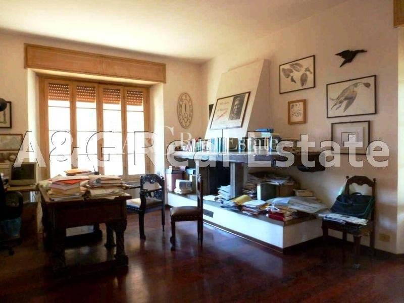 Appartamento in Affitto a Grosseto: 5 locali, 230 mq