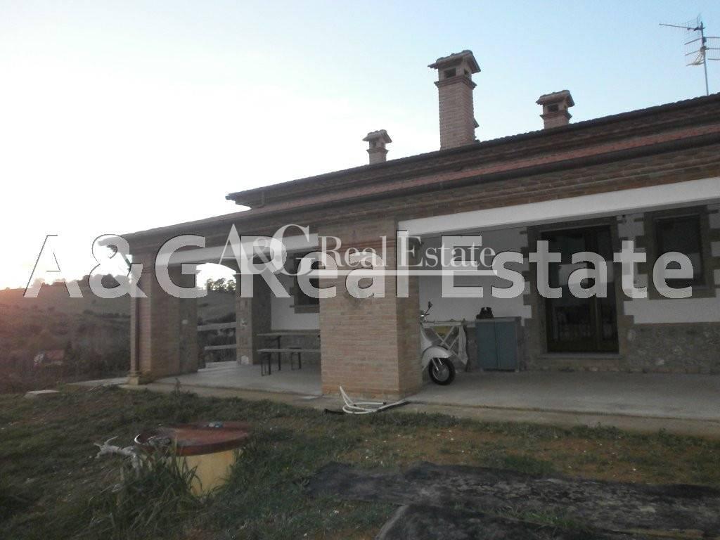 Villa in vendita a Grosseto, 4 locali, prezzo € 350.000 | Cambio Casa.it