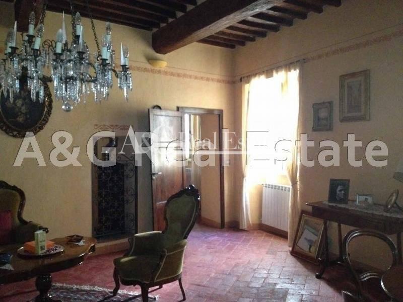 Appartamento in affitto a Gavorrano, 7 locali, zona Zona: Giuncarico, prezzo € 800 | Cambio Casa.it