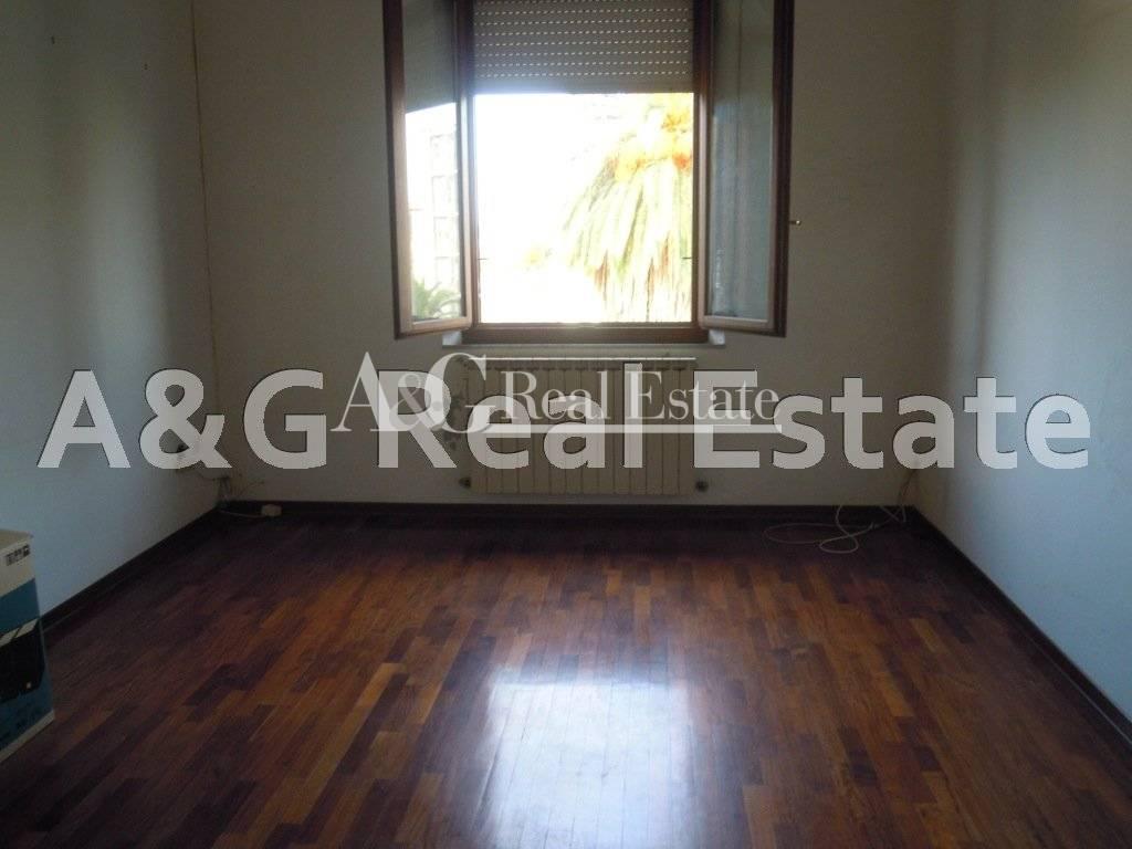 Appartamento in vendita a Grosseto, 6 locali, zona Località: Città, prezzo € 170.000   Cambio Casa.it