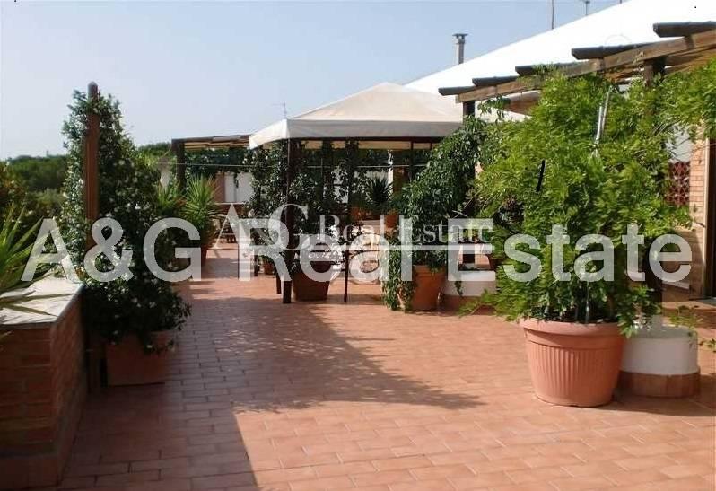 Appartamento in vendita a Grosseto, 8 locali, prezzo € 500.000 | Cambio Casa.it
