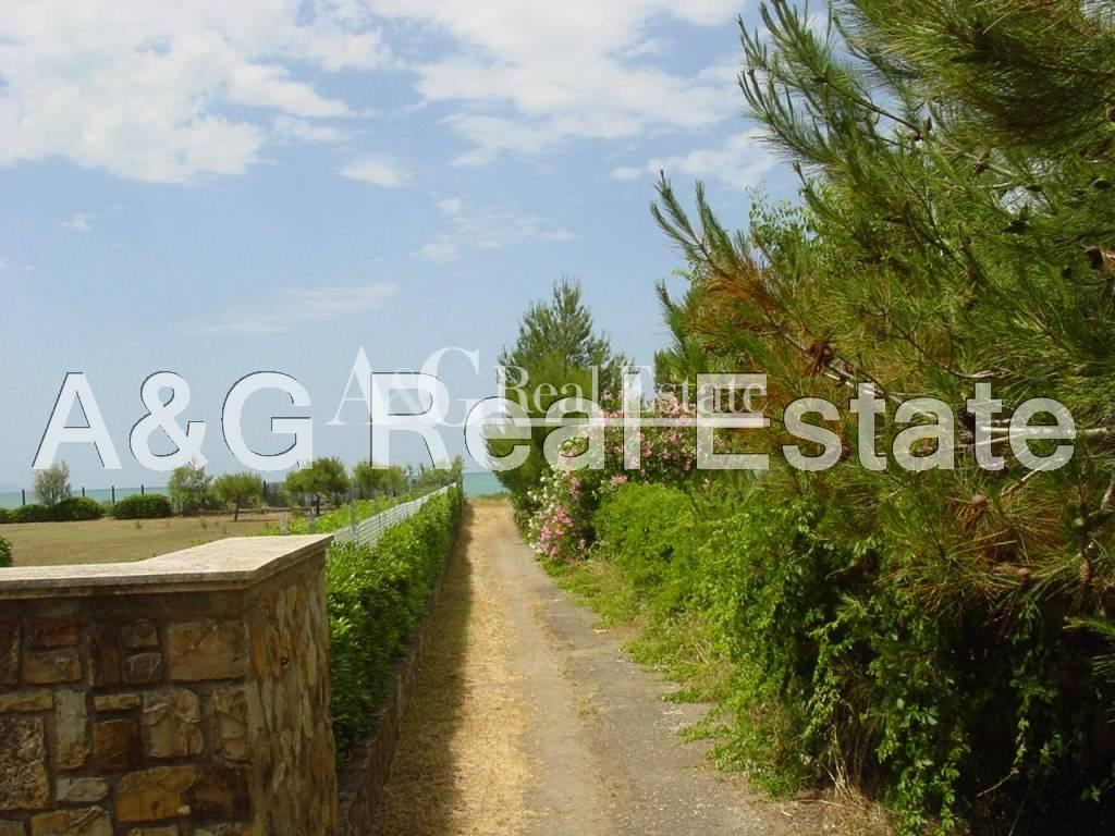 Soluzione Indipendente in vendita a Orbetello, 7 locali, zona Zona: Giannella, prezzo € 690.000 | Cambio Casa.it