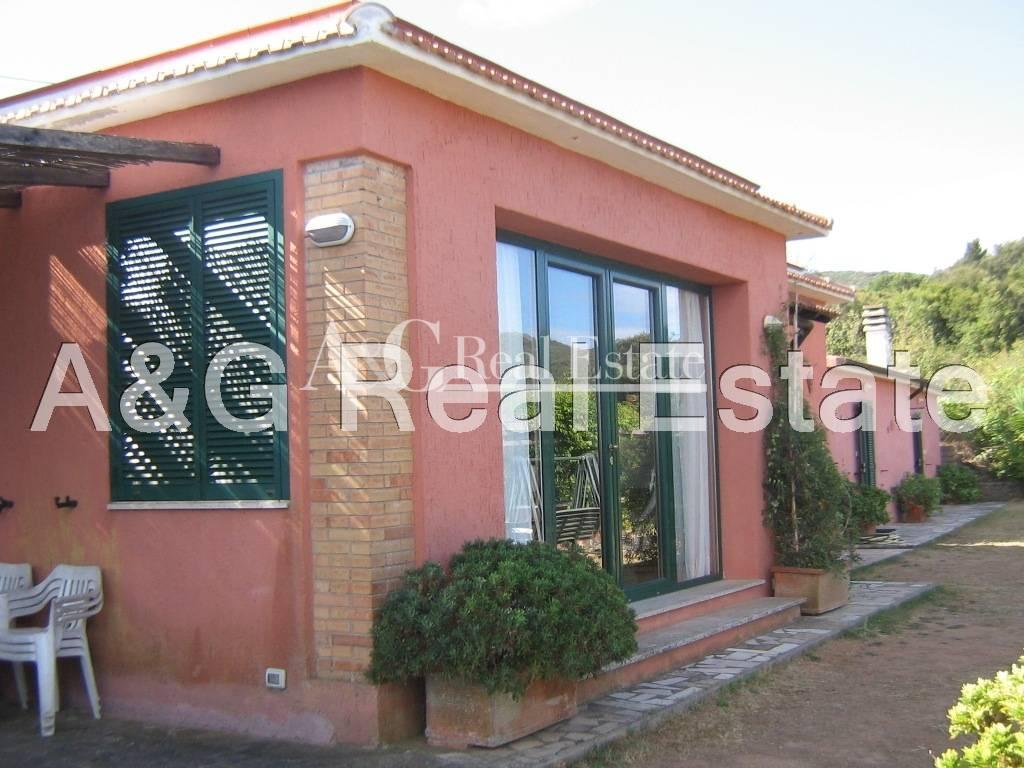Villa in vendita a Monte Argentario, 7 locali, zona Località: PortoS.oStefano, prezzo € 850.000 | Cambio Casa.it