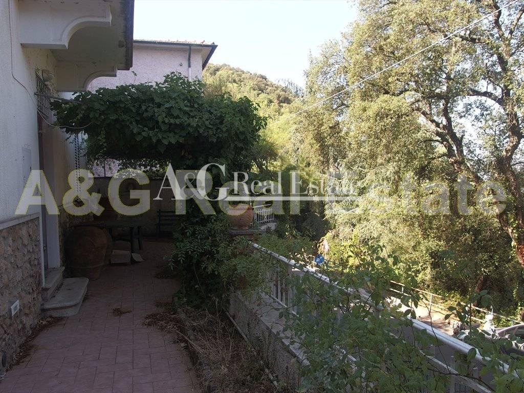 Villa in vendita a Gavorrano, 5 locali, prezzo € 230.000 | CambioCasa.it