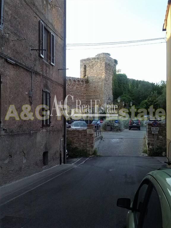 Appartamento in vendita a Massa Marittima, 4 locali, prezzo € 65.000 | CambioCasa.it