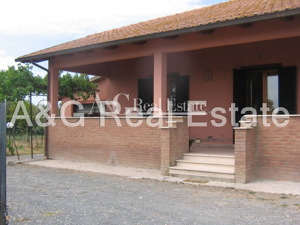 Villa in affitto a Grosseto, 5 locali, zona Località: CasottodeiPescatori, prezzo € 750 | CambioCasa.it