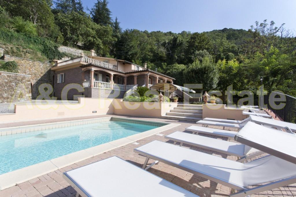 Villa in Vendita a Gavorrano