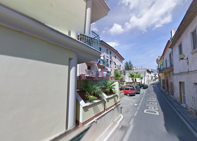 Appartamento in vendita a San Felice a Cancello, 4 locali, prezzo € 51.000 | Cambio Casa.it