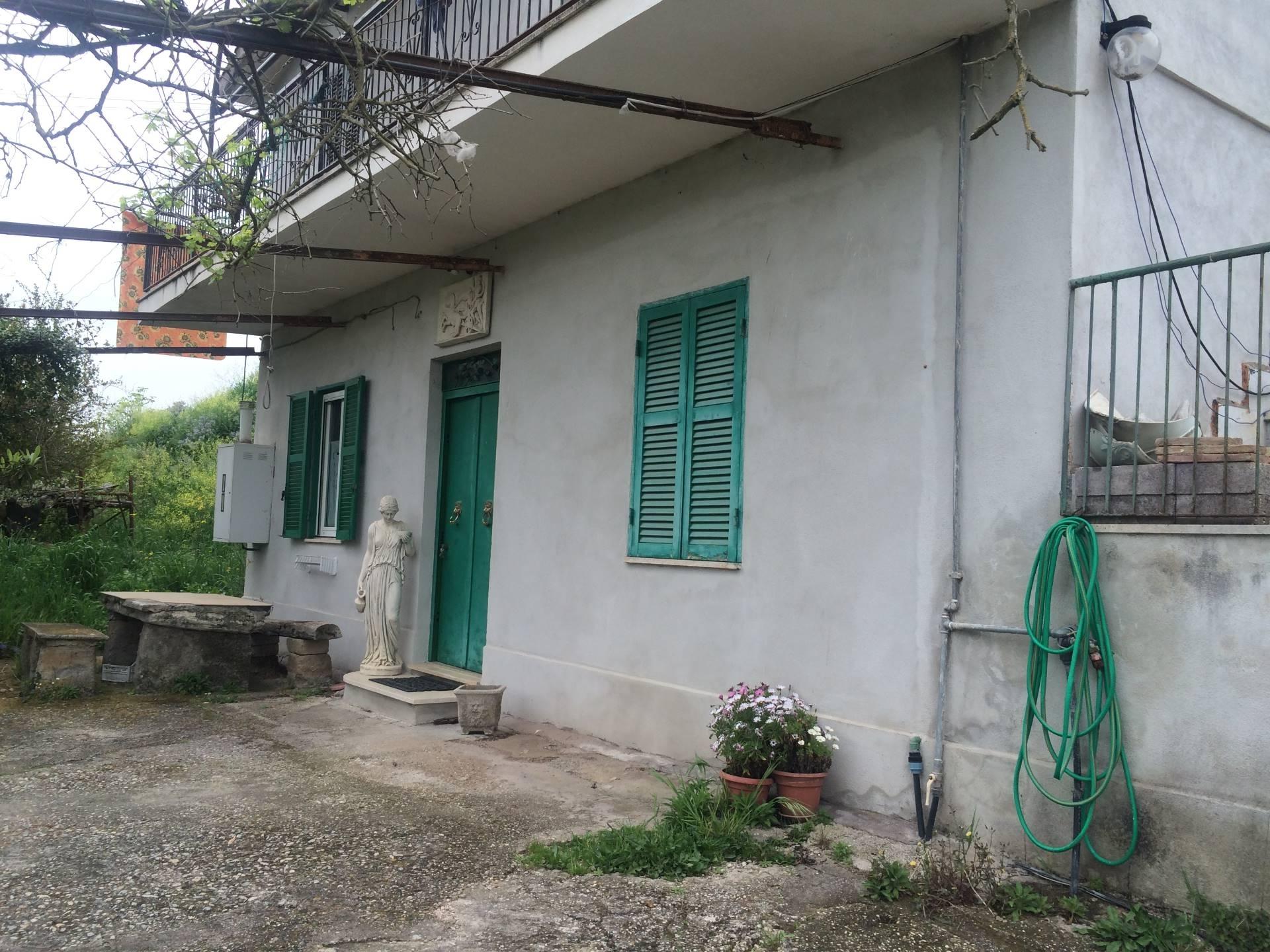 Bilocale Palombara Sabina Via Del Pascolaretto 9