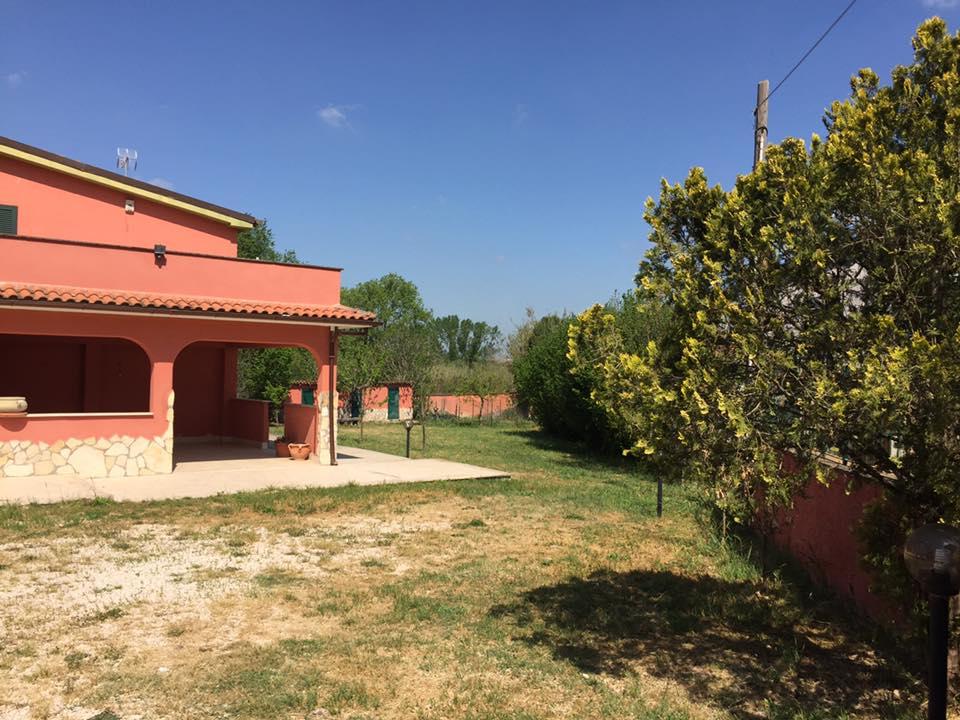 Villa in affitto a Palombara Sabina, 4 locali, zona Località: Palombarese, prezzo € 800 | CambioCasa.it