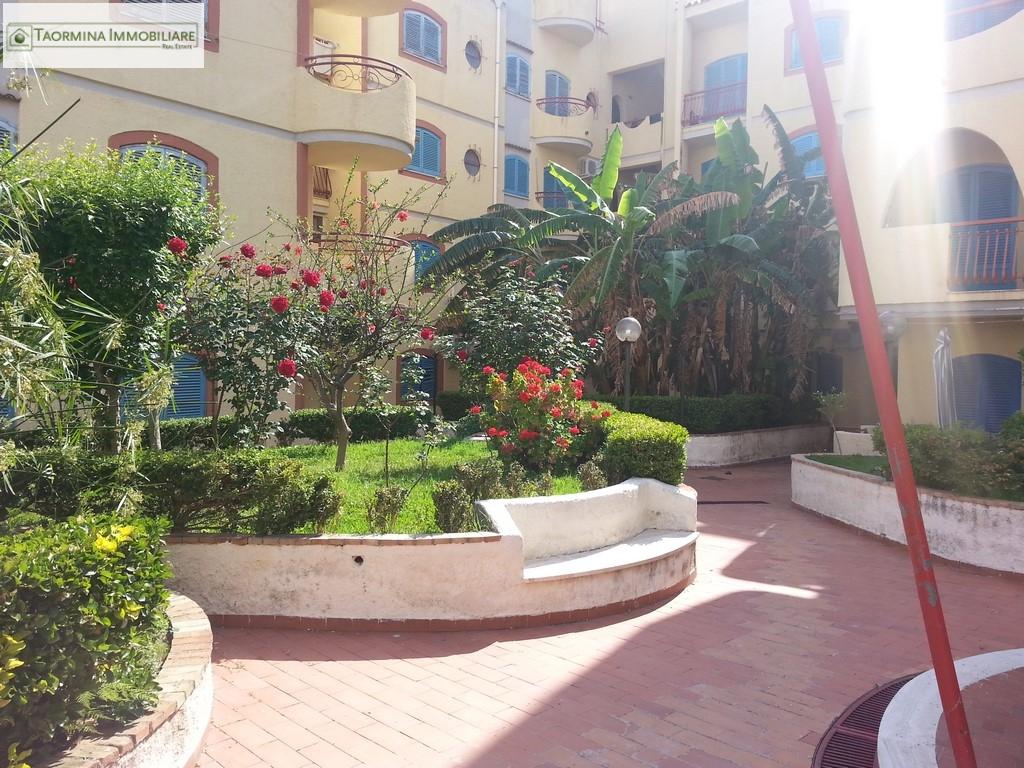 Bilocale Giardini Naxos  9