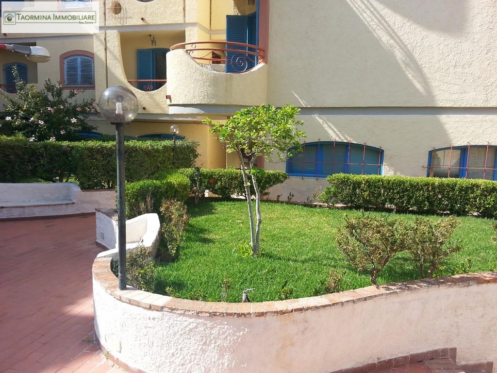 Bilocale Giardini Naxos  10