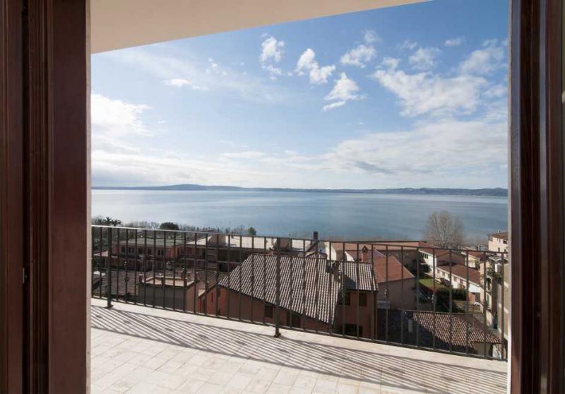 Appartamento in vendita a Trevignano Romano, 3 locali, prezzo € 250.000 | Cambio Casa.it