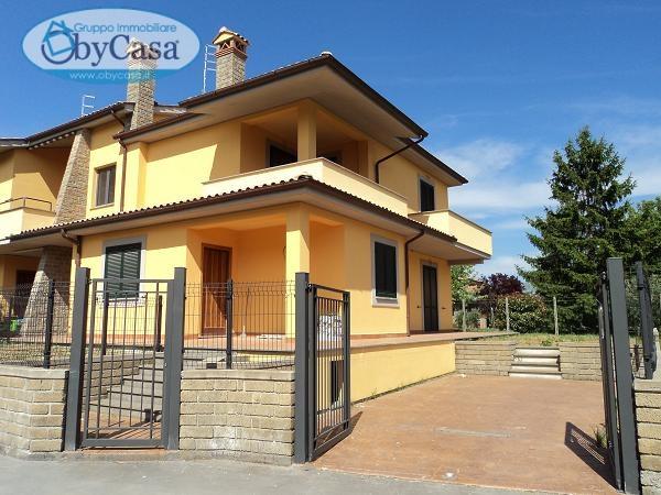 Soluzione Indipendente in vendita a Oriolo Romano, 4 locali, prezzo € 220.000 | Cambio Casa.it