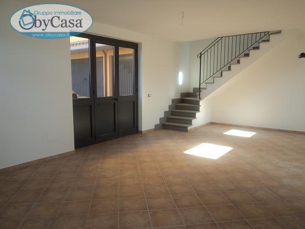 Villa in vendita a Oriolo Romano, 5 locali, prezzo € 260.000 | Cambio Casa.it