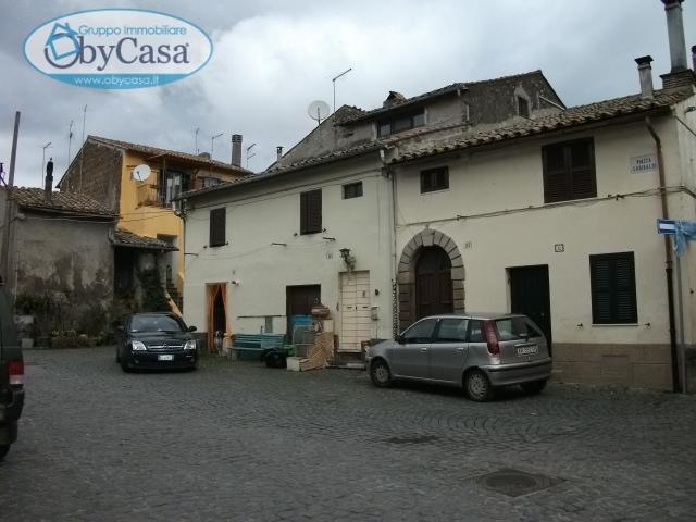 Bilocale Oriolo Romano Piazza Porta Romana 10