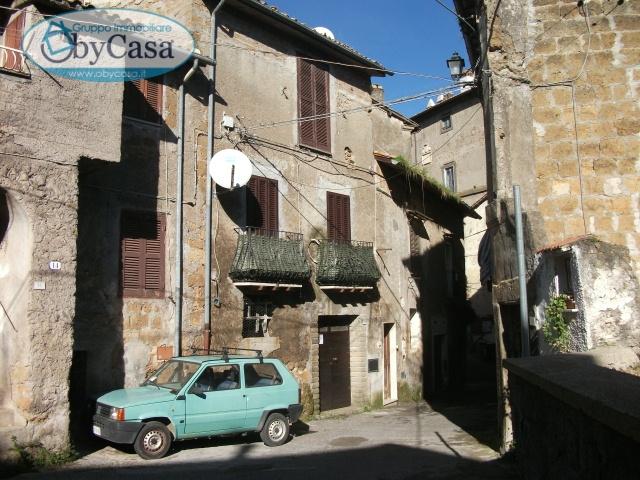 Magazzino in vendita a Bassano Romano, 3 locali, zona Località: bassanoromano, prezzo € 14.000 | Cambio Casa.it