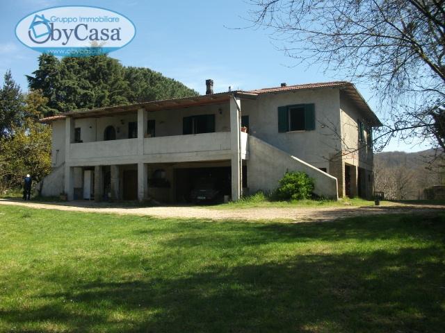 Soluzione Indipendente in vendita a Oriolo Romano, 16 locali, prezzo € 179.000 | Cambio Casa.it