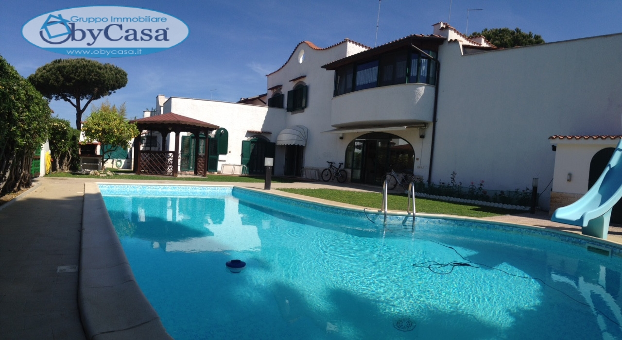 Villa in vendita a Cerveteri in Via Umberto Cetra
