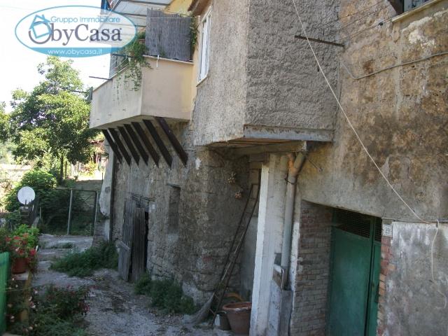 Magazzino in vendita a Bassano Romano, 1 locali, prezzo € 9.000 | CambioCasa.it