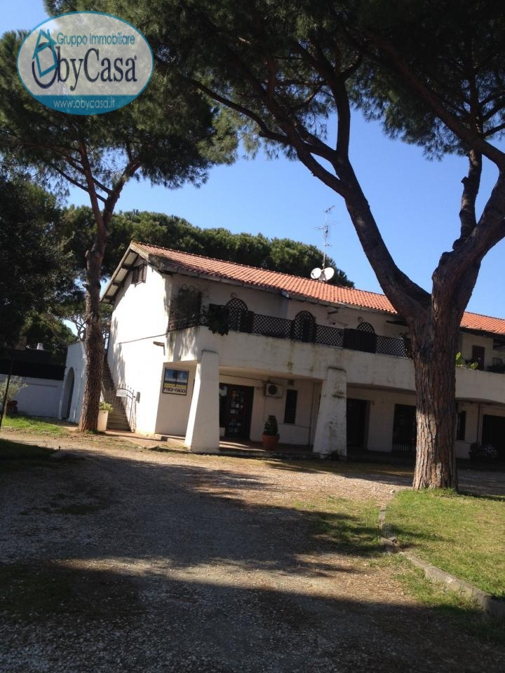 Soluzione Indipendente in vendita a Cerveteri, 4 locali, zona Zona: Cerenova, prezzo € 245.000   Cambio Casa.it