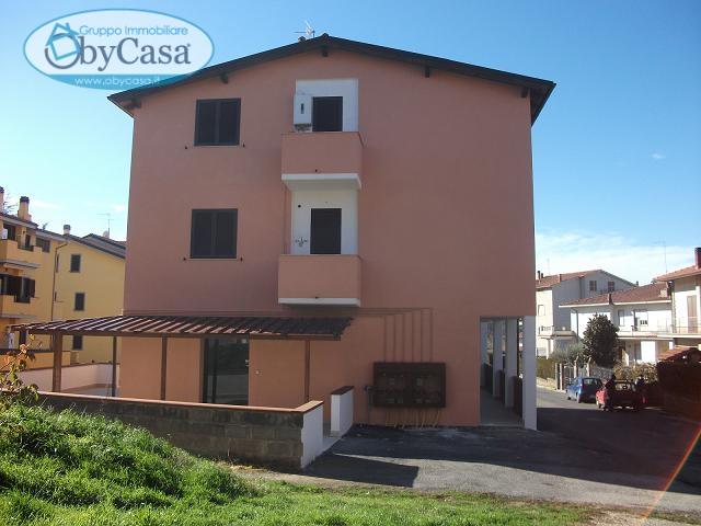 Bilocale Vejano Piazza Porta Romana 2
