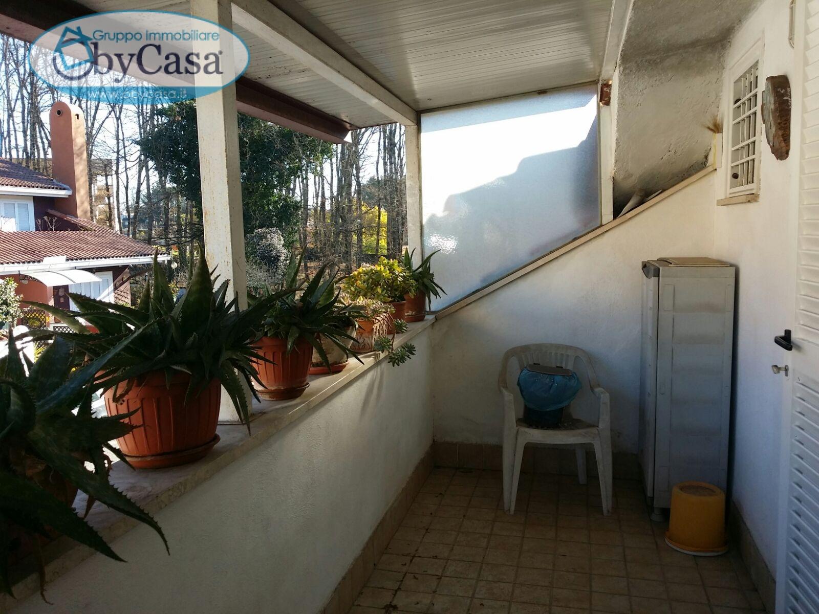 Villa a Schiera in vendita a Manziana, 2 locali, zona Località: verdebosco, prezzo € 98.000 | Cambio Casa.it