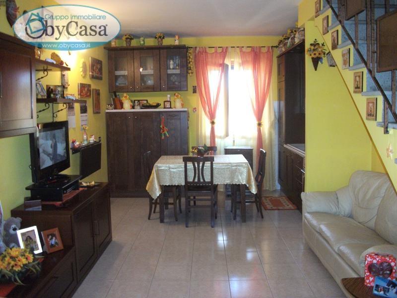 Appartamento in vendita a Oriolo Romano, 3 locali, prezzo € 88.000 | Cambio Casa.it