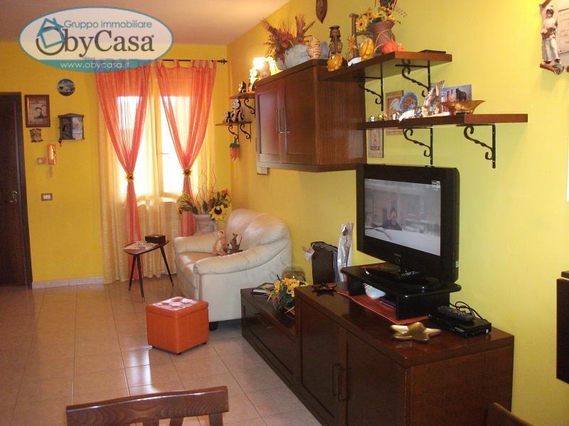 Appartamento in vendita a Oriolo Romano, 3 locali, prezzo € 99.000 | Cambio Casa.it