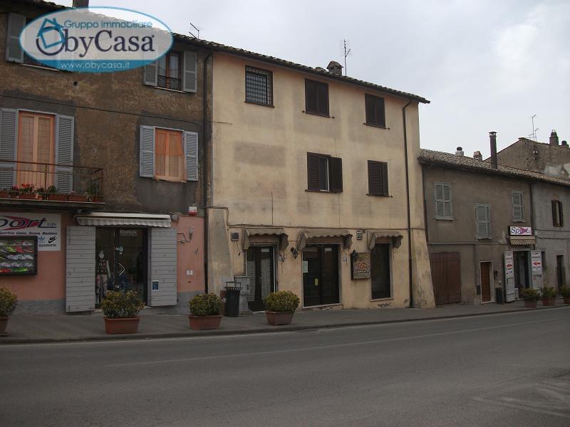 Negozio / Locale in affitto a Oriolo Romano, 9999 locali, prezzo € 1.000 | Cambio Casa.it
