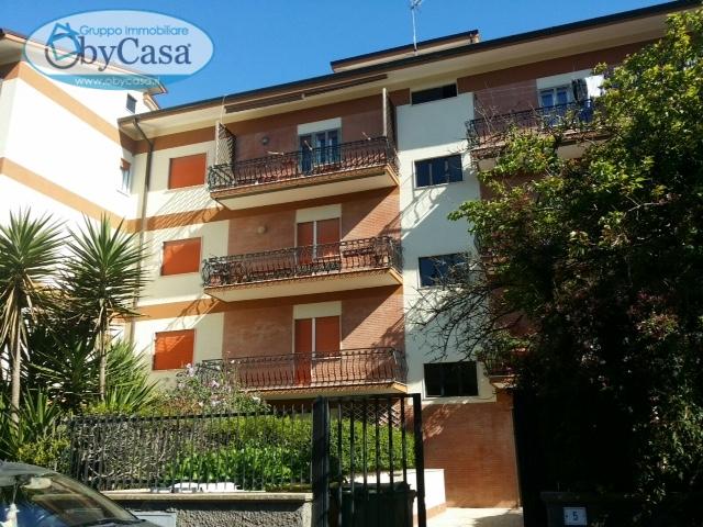 Appartamento in vendita a Manziana, 3 locali, prezzo € 105.000 | Cambio Casa.it