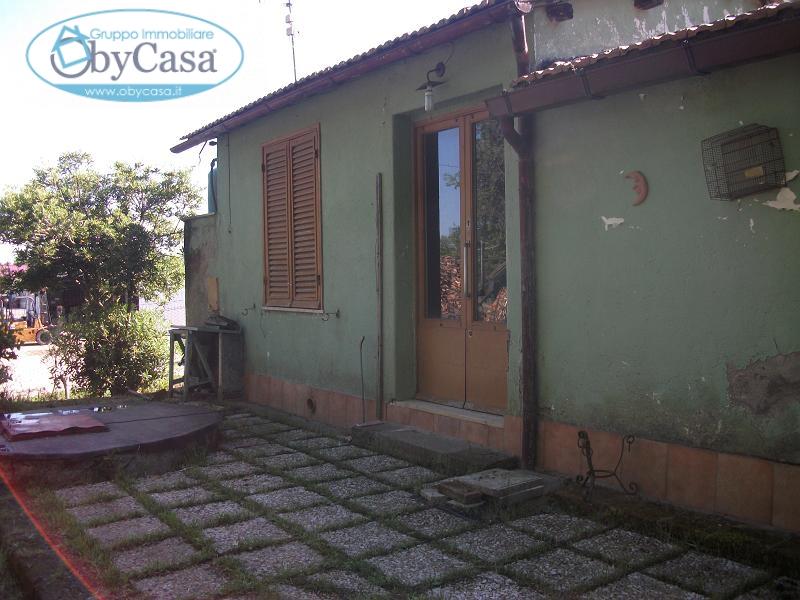 Rustico / Casale in vendita a Oriolo Romano, 2 locali, prezzo € 29.000 | CambioCasa.it