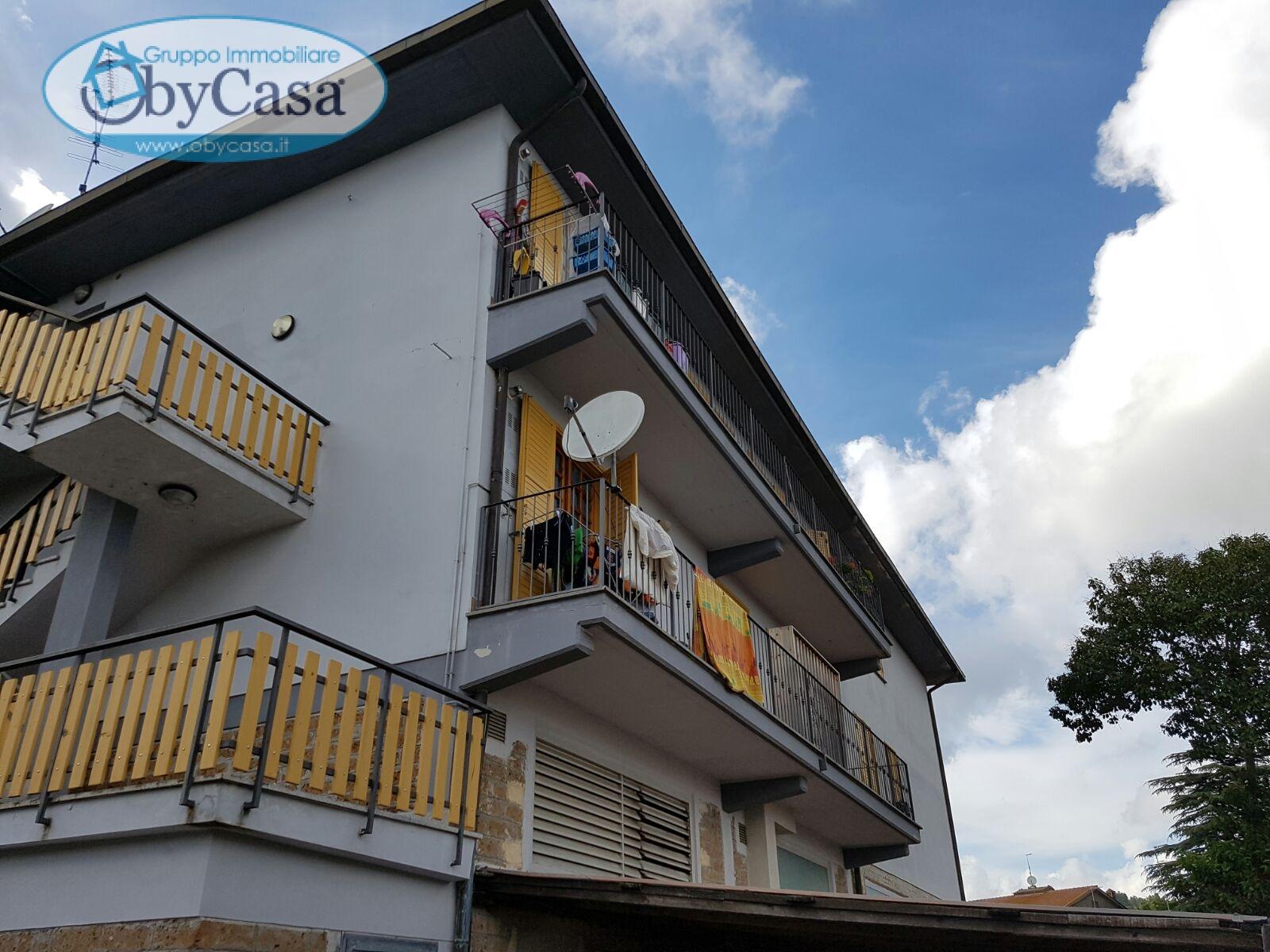 Appartamento in vendita a Manziana, 3 locali, prezzo € 110.000 | Cambio Casa.it