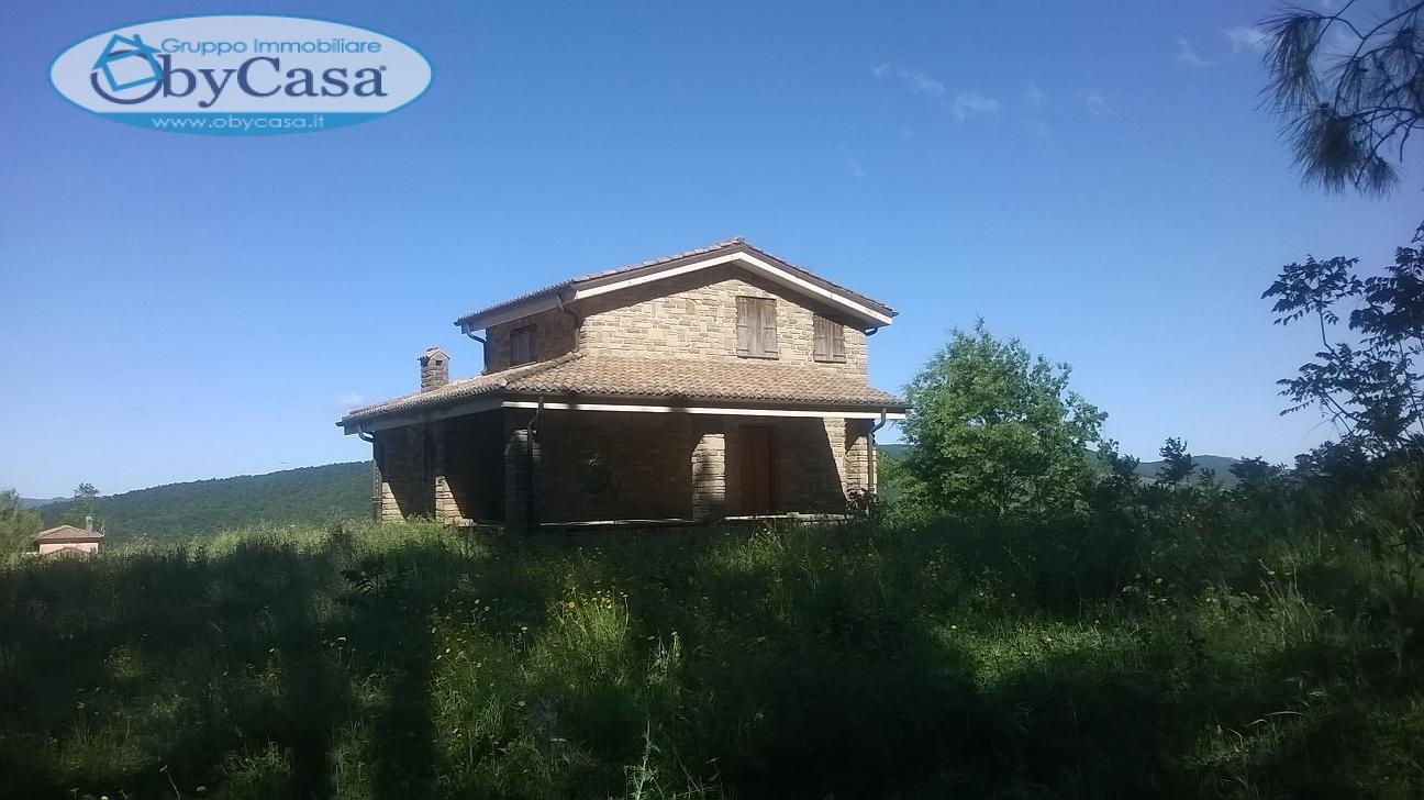 Soluzione Indipendente in vendita a Canale Monterano, 6 locali, zona Zona: Montevirginio, prezzo € 240.000 | Cambio Casa.it
