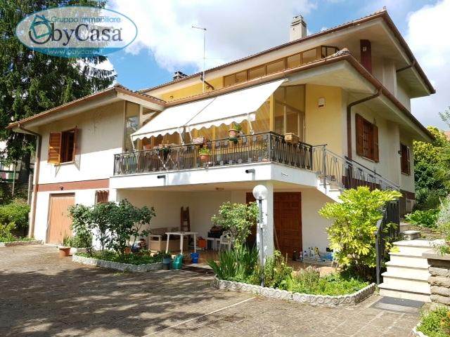 Villa in vendita a Manziana, 6 locali, zona Località: centro1, prezzo € 290.000 | Cambio Casa.it