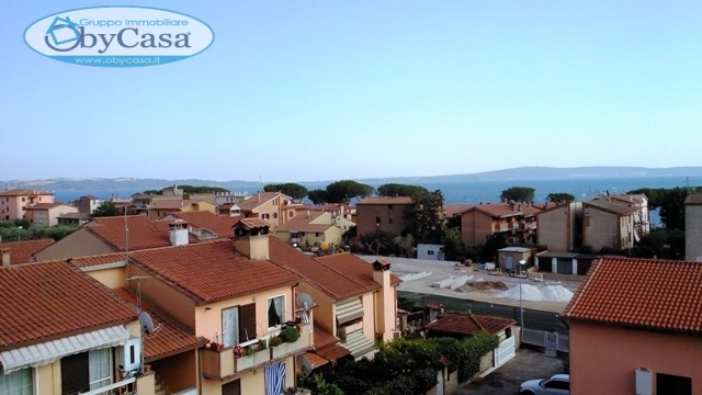 Appartamento in affitto a Trevignano Romano, 6 locali, prezzo € 1.100 | Cambio Casa.it