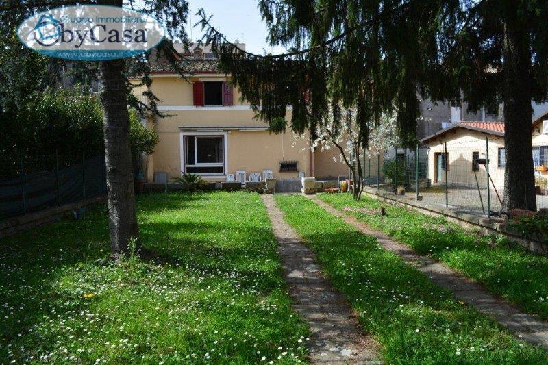 Soluzione Indipendente in vendita a Manziana, 4 locali, prezzo € 195.000 | Cambio Casa.it