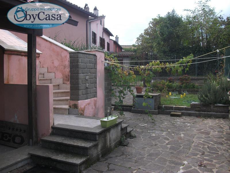 Bilocale Canale Monterano Piazza Porta Romana 3