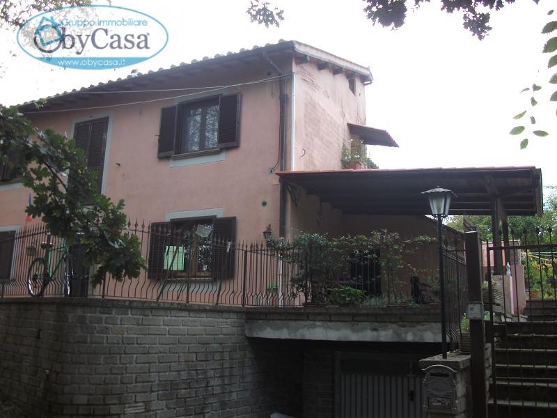 Bilocale Canale Monterano Piazza Porta Romana 1