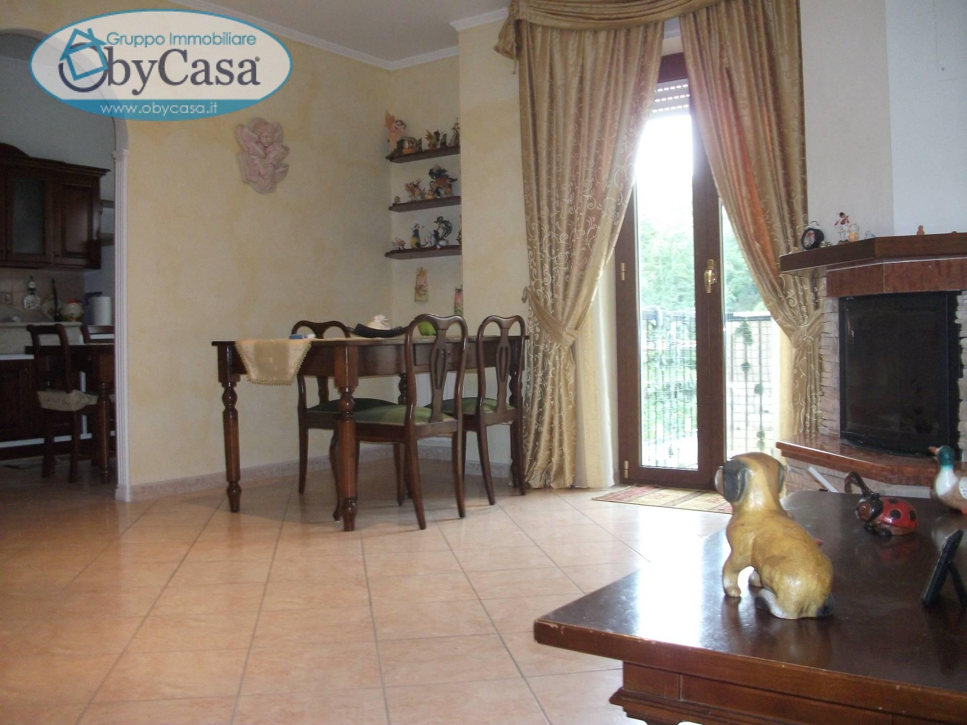 Appartamento in vendita a Barbarano Romano, 4 locali, prezzo € 99.000 | Cambio Casa.it