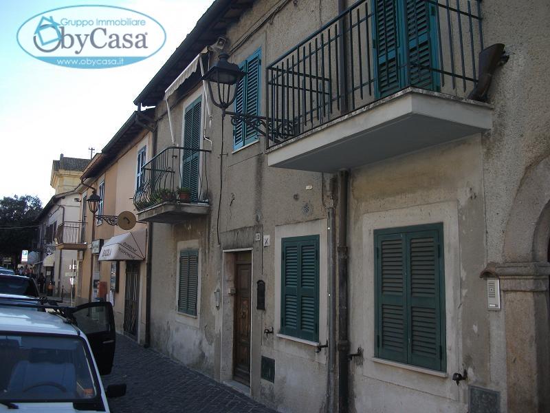 Palazzo / Stabile in vendita a Canale Monterano, 4 locali, prezzo € 99.000 | Cambio Casa.it