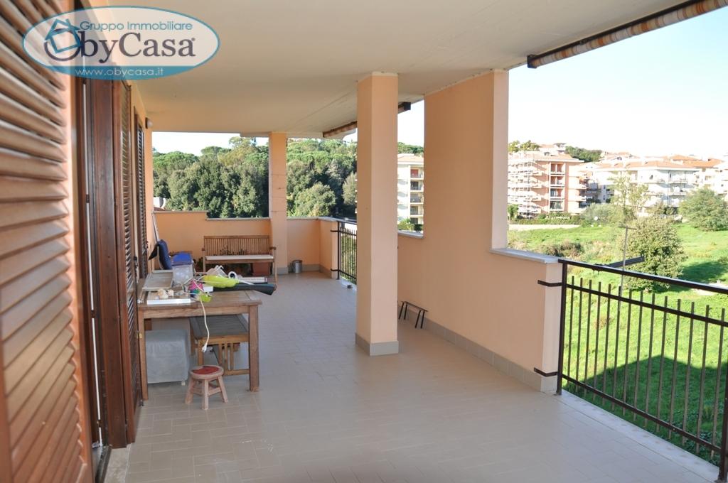 Appartamento in vendita a Bracciano, 4 locali, zona Località: braccianonuova, prezzo € 220.000 | Cambio Casa.it