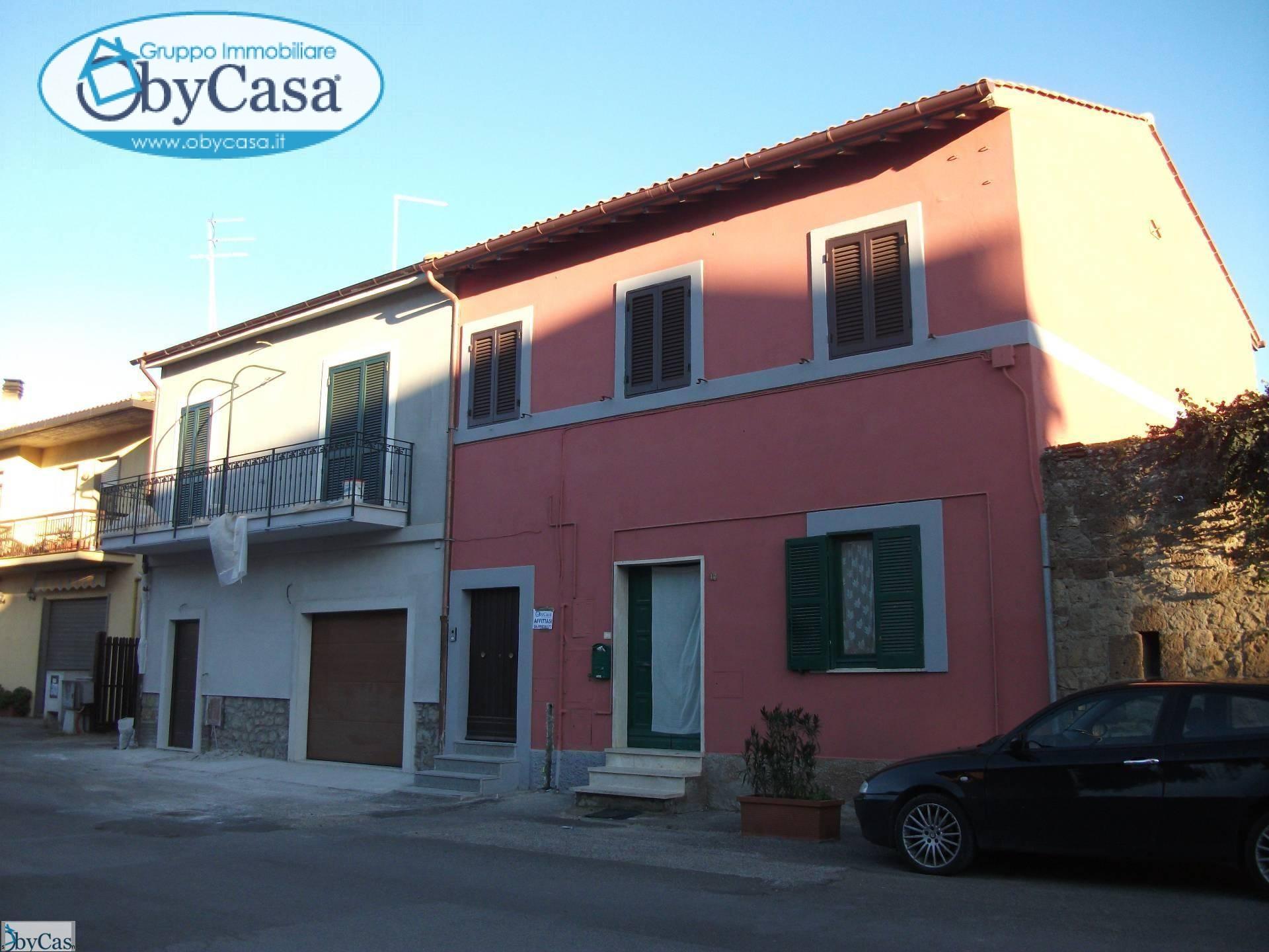 Palazzo / Stabile in affitto a Oriolo Romano, 3 locali, prezzo € 400 | Cambio Casa.it