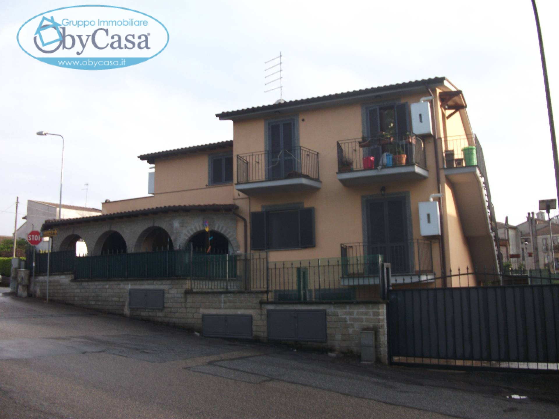 Soluzione Semindipendente in vendita a Oriolo Romano, 3 locali, prezzo € 140.000   CambioCasa.it
