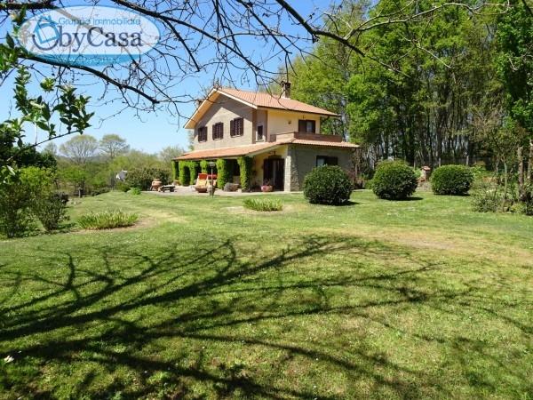 Villa in vendita a Oriolo Romano, 5 locali, prezzo € 235.000 | CambioCasa.it