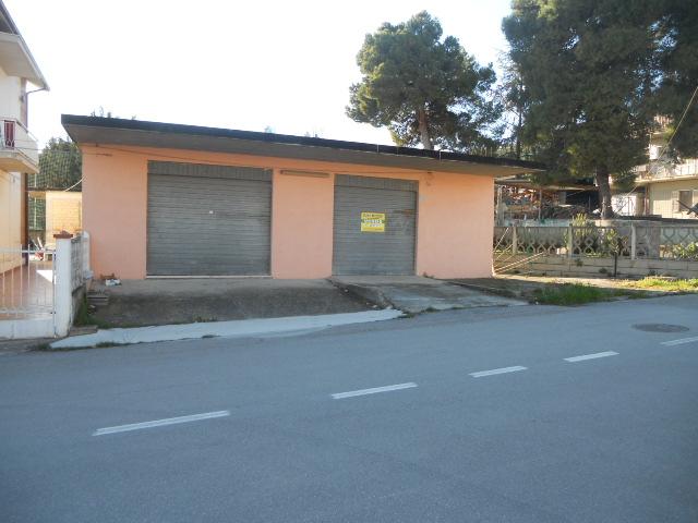 Laboratorio in vendita a San Benedetto del Tronto, 9999 locali, zona Località: PortodAscoli, prezzo € 175.000 | Cambio Casa.it