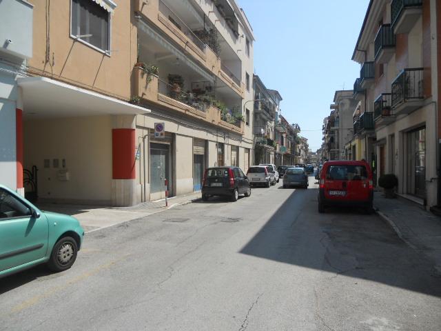 Laboratorio in vendita a San Benedetto del Tronto, 9999 locali, zona Località: Centro, prezzo € 95.000 | Cambio Casa.it