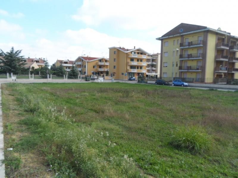Terreno vendita CORROPOLI (TE) - 7 LOCALI - 2500 MQ