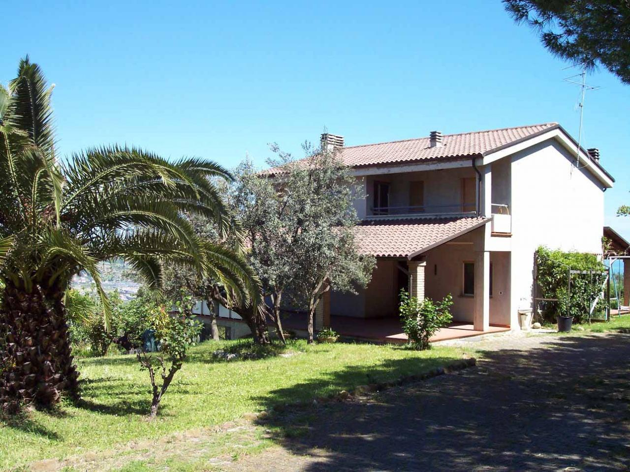 Villa in vendita a Colonnella, 12 locali, Trattative riservate | Cambio Casa.it