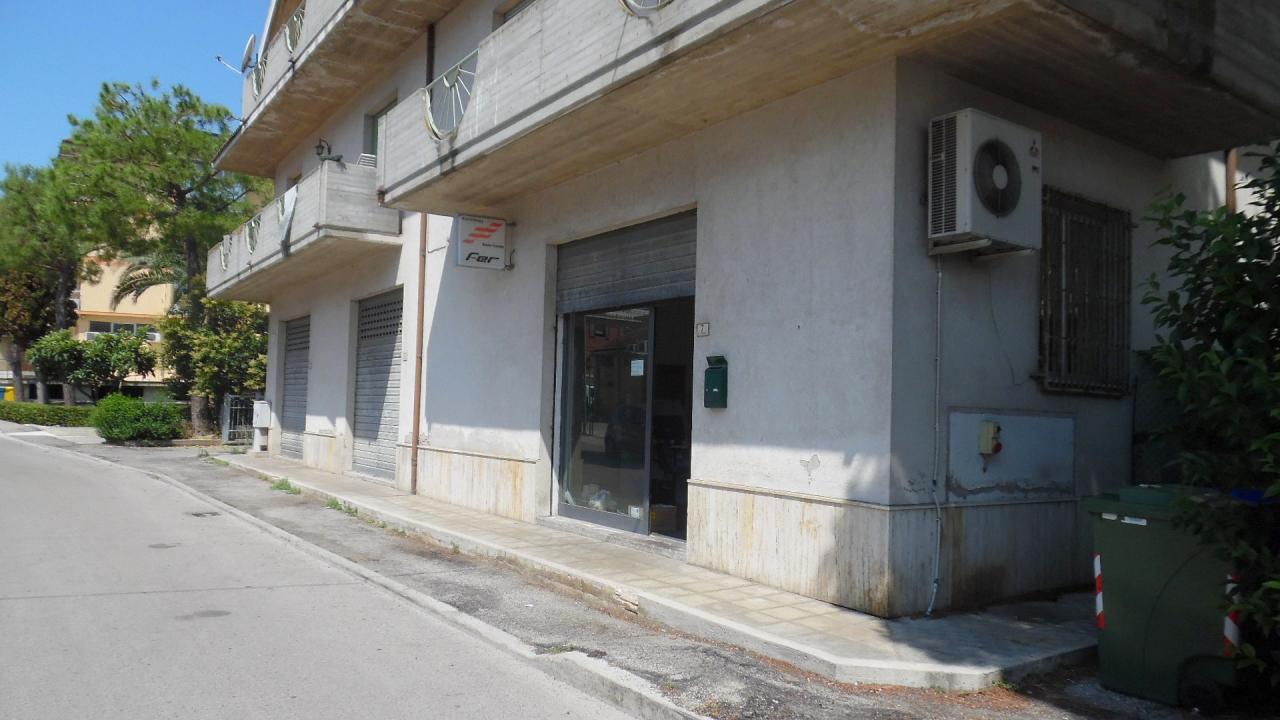 Negozio / Locale in vendita a Monsampolo del Tronto, 9999 locali, zona Località: StelladiMonsampolo, prezzo € 117.000 | Cambio Casa.it